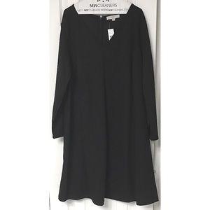 LOFT Dresses - LOFT Plus Black Doubleface Flare Dress V-Neck NWT